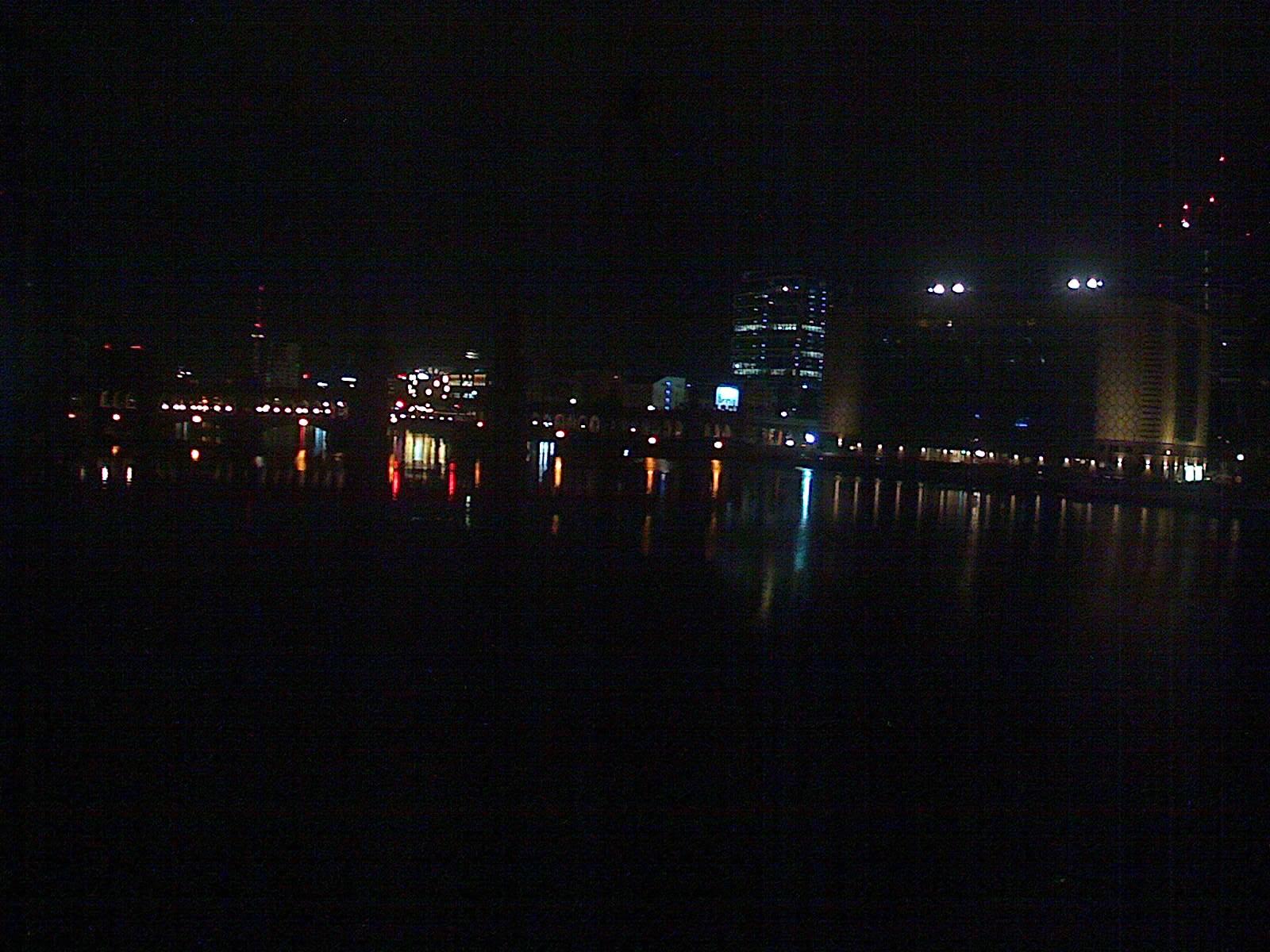 Берлин времето уеб камера мост с кули 'Обербаум' на река Шпрее, улица 'Варшавска' трафик, булевард столица Германия Free-WebCamBG